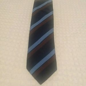 Mens Charles Tyrwhitt Textured Silk Tie